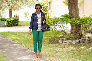 stripe-top-hunter-green-pants-work-outfit-how-to-wear-green-pants-fashion-blogger-miami-5