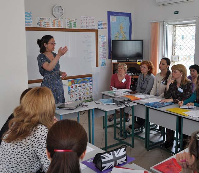 Sandy Millin - Teaching a Class