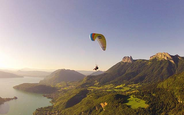 Aileen Adalid Interview - Content Pic (Paragliding)